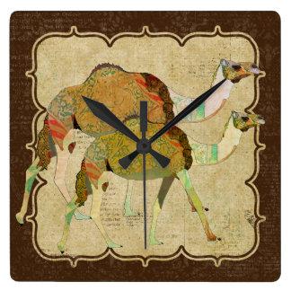 Horloge rêveuse vintage de chameaux