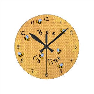 Horloge Ronde Abeille sur de temps l'horloge murale en rond