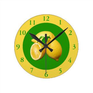 Horloge Ronde Agrume vert et jaune et citrons frais