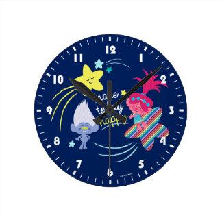 Horloge Ronde Amusement des trolls   Glitteriffic