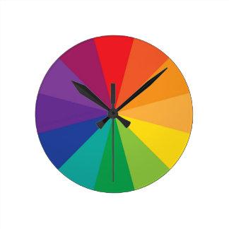 Horloge Ronde Artiste de roue de couleur d'arc-en-ciel