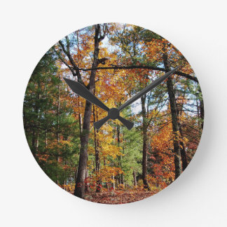 Horloge Ronde Automne dans la forêt