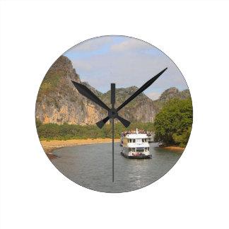 Horloge Ronde Bateaux sur la rivière de Li, Chine