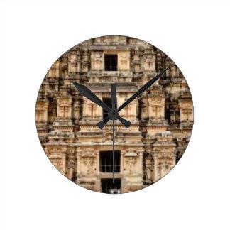 Horloge Ronde bâtiment antique empilé