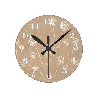 Horloge Ronde Beige tiré par la main papier d'emballage de