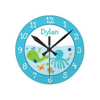 Horloge Ronde Bleu sous la crèche de mer