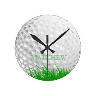 Horloge Ronde Boule de golf personnalisée dans l'herbe