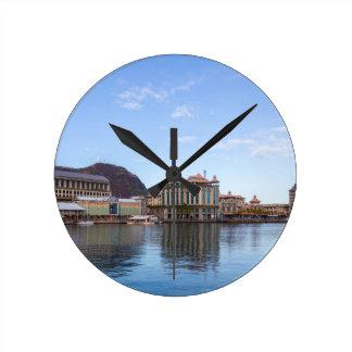 Horloge Ronde capitale caudan de bord de mer de Port-Louis le de