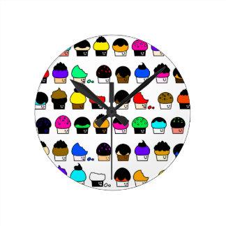 Horloge Ronde Cavalcade de petit gâteau - motif de répétition