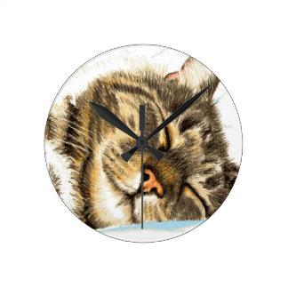 Horloge Ronde Chat tigré de sommeil