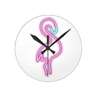 Horloge Ronde Chemises mignonnes de FLAMANT AU NÉON,