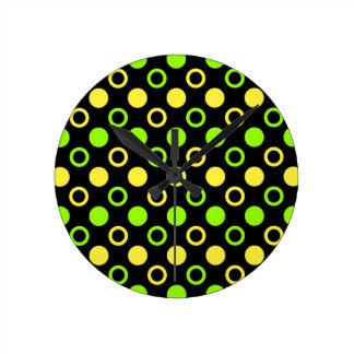 Horloge Ronde Citron et anneaux et pois de chaux par STaylor