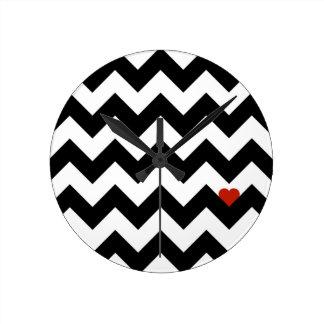 Horloge Ronde Coeur & Chevron - Noir/Rouge Classique