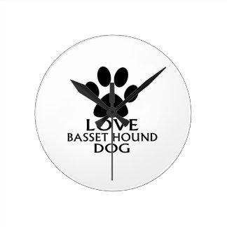 HORLOGE RONDE CONCEPTIONS DE CHIEN DE BASSET HOUND D'AMOUR