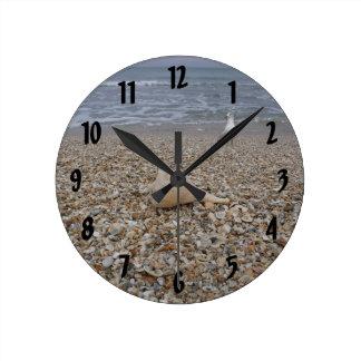 Horloge Ronde Coquillages et mouettes