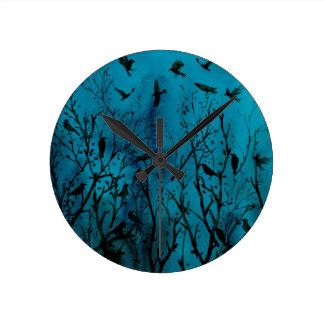 Horloge Ronde Corneilles d'aquarelle en bois la nuit