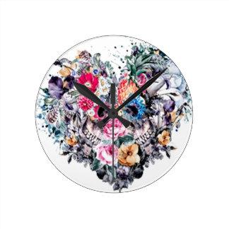 Horloge Ronde Crâne de Saint-Valentin avec des coeurs
