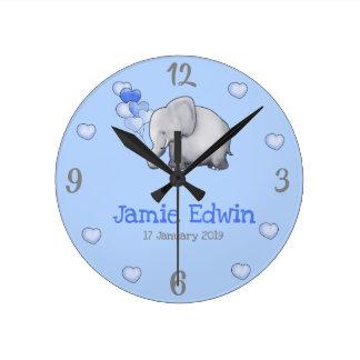 Horloge Ronde Crèche mignonne personnalisée d'éléphant de bleus