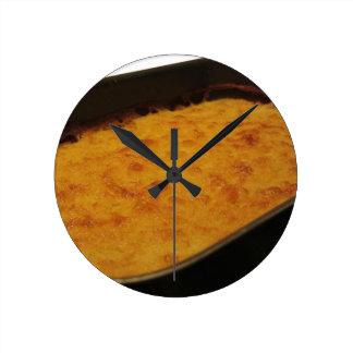 Horloge Ronde Crêpe de farine de pois chiche dans un plateau