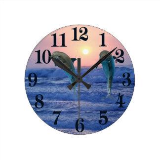 Horloge Ronde Dauphin de Bottlenose au lever de soleil