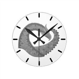 Horloge Ronde Dragon gris de coeur sur le blanc