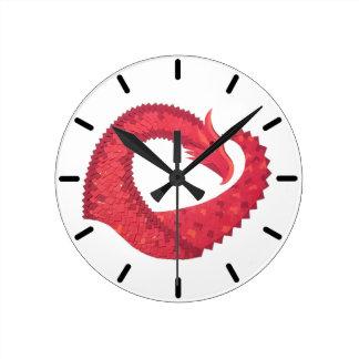 Horloge Ronde Dragon rouge de coeur sur le blanc