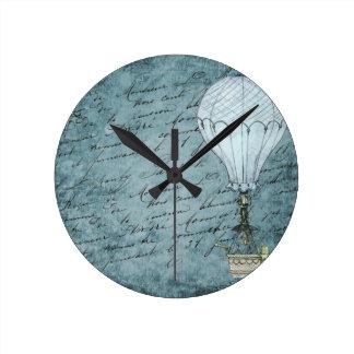 Horloge Ronde Écriture chaude bleue de Steampunk de ballon à air
