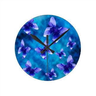 Horloge Ronde Été bleu de papillon