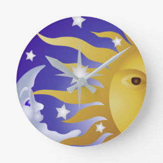 Horloge Ronde exposez au soleil avec la lune bleue 2