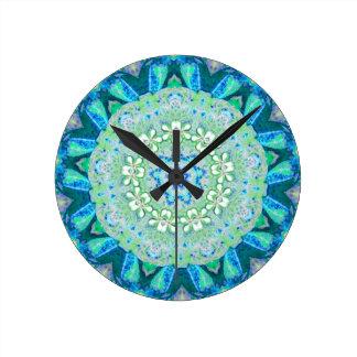 Horloge Ronde Fractale florale de paon