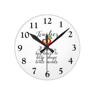 Horloge Ronde Grand coeur à aider à former le petit professeur
