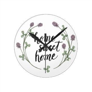 Horloge Ronde Heureux à la maison douce   à la maison des mots I