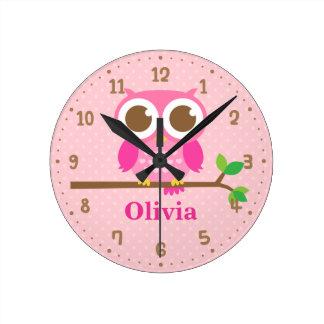 Horloge Ronde Hibou rose mignon sur l'horloge de décor de mur de
