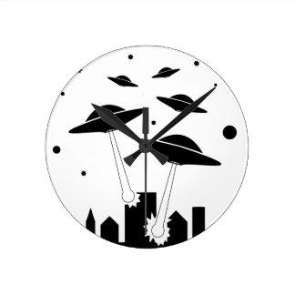 Horloge Ronde Invasion d'UFO