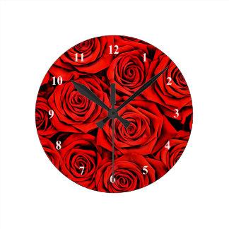 Horloge Ronde La fleur florale de pétales de roses rouges plante