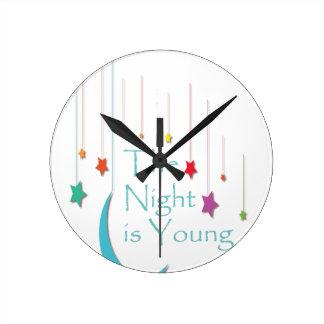 Horloge Ronde Le-Nuit-être-Jeune