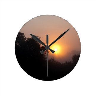 Horloge Ronde Lever de soleil brumeux de matin