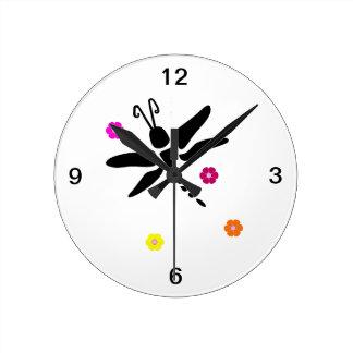 Horloge Ronde libellule et fleurs