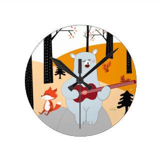 Horloge Ronde Mignon chantez un loup de renard de chanson d'été