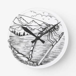 Horloge Ronde Montagne de libellule à l'intérieur de tatouage