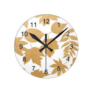 Horloge Ronde Motif blanc de silhouette de feuille d'or, décor