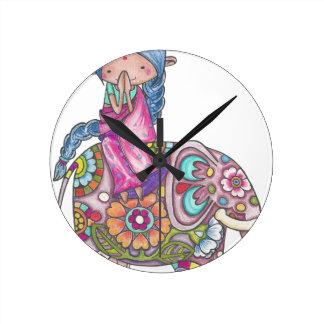 Horloge Ronde Nalini la petite Hindoue