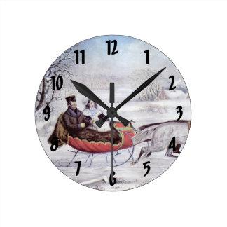 Horloge Ronde Noël vintage, l'hiver de route, cheval de Sleigh