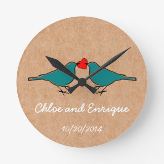 Horloge Ronde Oiseaux bleus et mariage de coeur d'amour