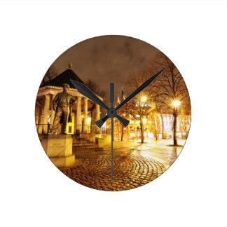 Horloge Ronde Oslo, Norvège la nuit