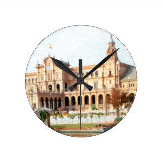 Horloge Ronde palais sur la rivière