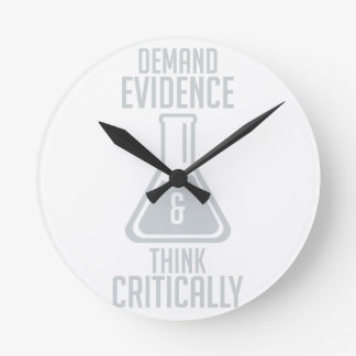 Horloge Ronde Pensez en critique
