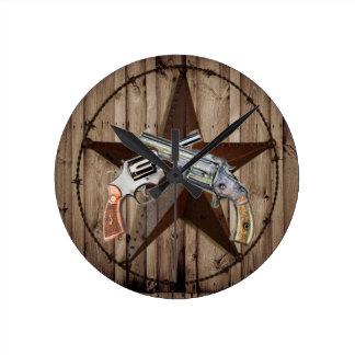 Horloge Ronde pistolets rustiques de cowboy d'étoile de Texas de