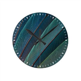 Horloge Ronde Plume de perroquet d'ara d'écarlate