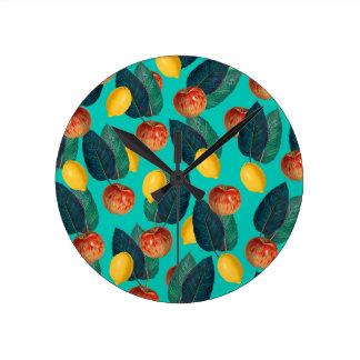 Horloge Ronde pommes et citrons turquoises